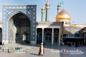 The Fatima Masumeh Shrine in Qom, for Shia Muslims the second most sacred city in Iran after Mashhad - The golden dome lies right above the mausoleum, Qom, Iran