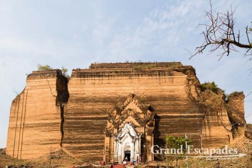 Mingun Paya, Mingun, Mandalay, Myanmar