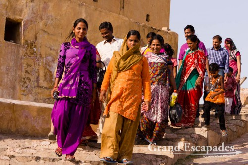 Indian family at Amber Fort, near Jaipur, the Pink City, Rajasthan, India