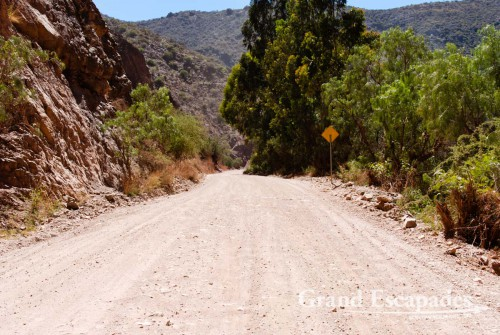 In the South of Bolivia, you only find terrible bumpy dirt road ... This is the main link from Potosi to Argentina!