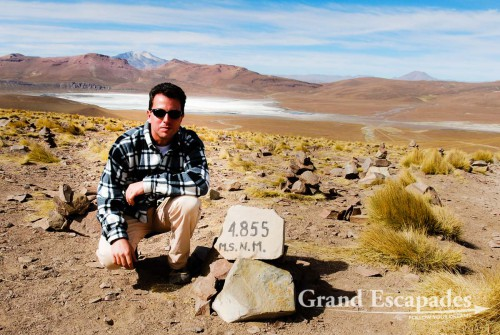 """Gilles during the """"Southwest Loop"""" or """"Salar de Uyuni Tour"""" in Bolivia - Here at 4.855 meters above sea level!"""