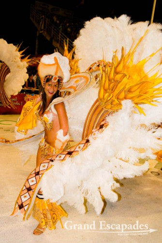 The dancers were a swaying sea of colours of elaborately designed costumes, headdresses made of feathers and beads, more beadwork for ankles, necks, belly and wrists. The costumes can be made of lots of material or of very, very little, Carneval of Gualeyguachu, Argentina