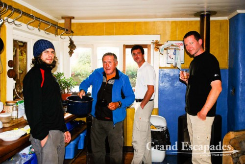 Apart from cozy rooms and WiFi, Hostal Casa Azul in Puerto Montt offers a little, but nice kitchen, where almost every guest would cook dinner, have a glass of wine and exchange travel story and cooking recipies ...