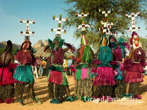 The Kanaga Masks, the highest in hierarchy of Masks, preparing for the Dance - Dance of the Masks, Dogon Country, Mali, Africa