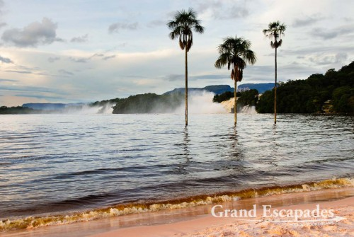 Canaima Lagoon, Canaima National Park, Venezuela, South America