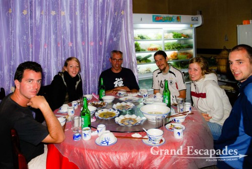 From left to right: Gilles, Murielle, Martin, a German biking around the world, Camille, Michael - Yuanyang, Yunnan, China