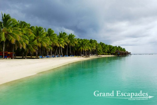 Aitutaki Lagoon Resort & Spa ... shortly before a thunderstorm, Aitutaki Atoll, Cook Islands