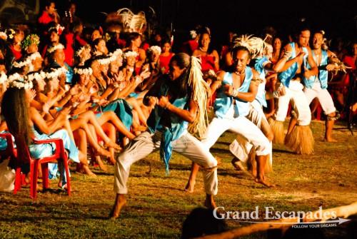 Tapati Rapa Nui, Estival de Cantos y Danzas Tradicionales (Traditional Singings and Dances Festival), Rapa Nui or Easter Island, Pacific