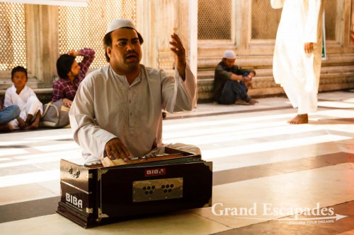 Hazrat-ud-din Dargah, Delhi, India