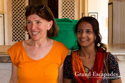 Heidi with an Indian family, Hawa Mahal, Jaipur, Rajasthan, India