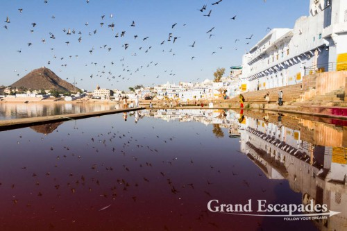 52 bathing Ghats surround Pushkar Lake, Pushkar, Rajasthan, India